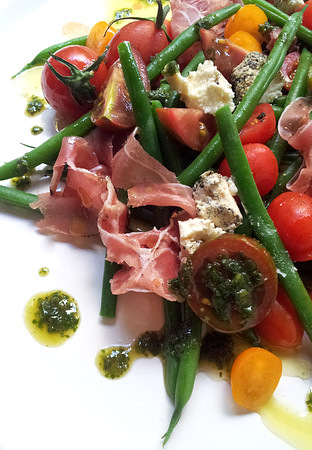 Low-Carb Green Bean, Tomato & Prosciutto Salad with Basil Oil