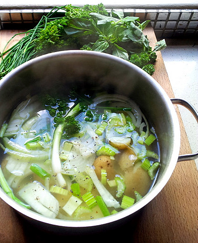 Quick Healthy Green Soup, Using Left-Over Fresh Herbs