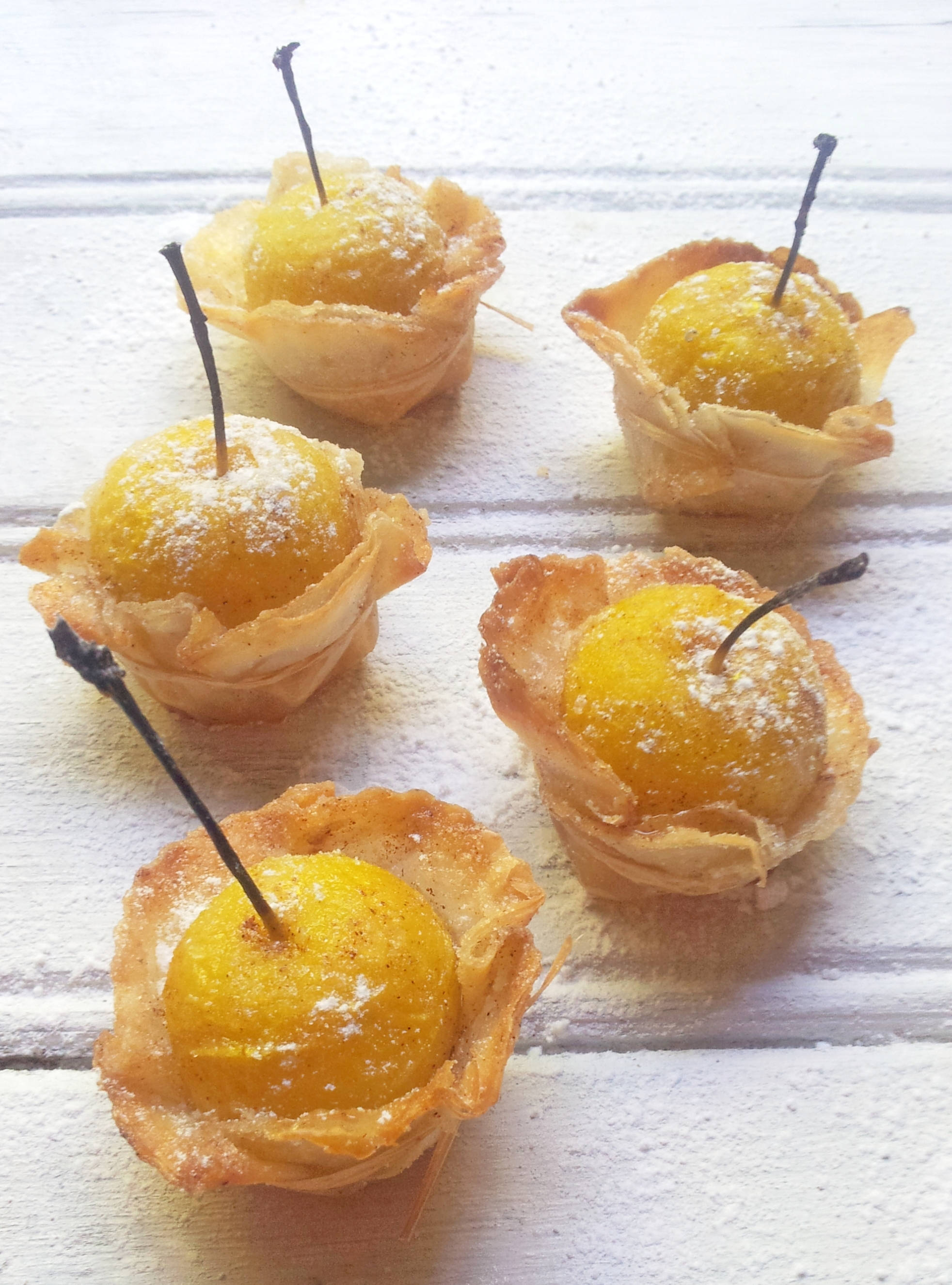 Baby Apple & Cinnamon Phyllo Tartlets