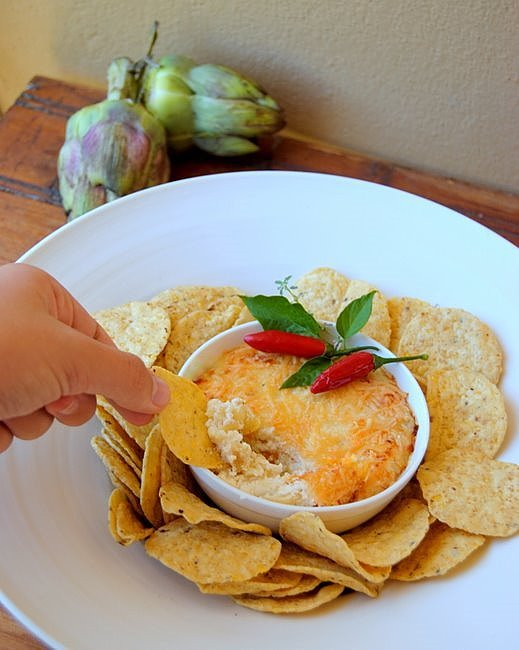 Hot Ricotta Dip with Thyme, Chilli and Garlic